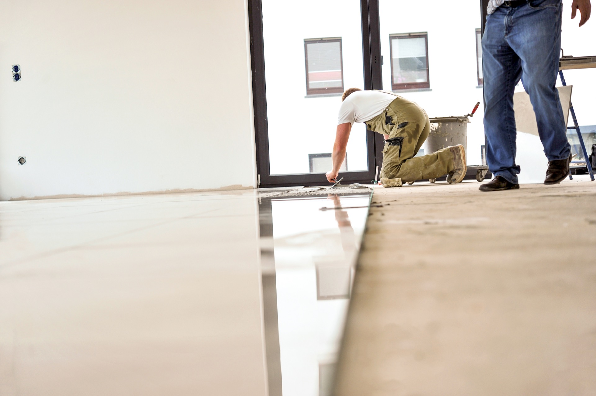 Installing new floor in commercial office